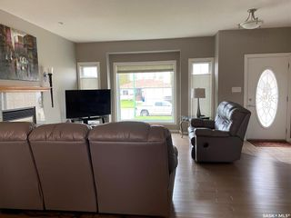 Photo 3: 886 3rd Street West in Unity: Residential for sale : MLS®# SK856535