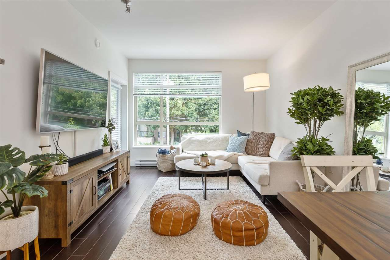 """Main Photo: 202 2436 KELLY Avenue in Port Coquitlam: Central Pt Coquitlam Condo for sale in """"LUMIERE"""" : MLS®# R2586097"""