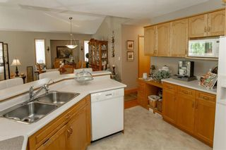 Photo 14: 64 Edelweiss Crescent in Niverville: R07 Residential for sale : MLS®# 202013038