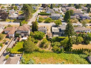 Photo 10: 7111 WILLINGDON Avenue in Burnaby: Metrotown House for sale (Burnaby South)  : MLS®# R2419004
