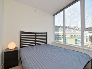 """Photo 5: 1201 33 SMITHE Street in Vancouver: Yaletown Condo for sale in """"Coopers Lookout"""" (Vancouver West)  : MLS®# V924404"""
