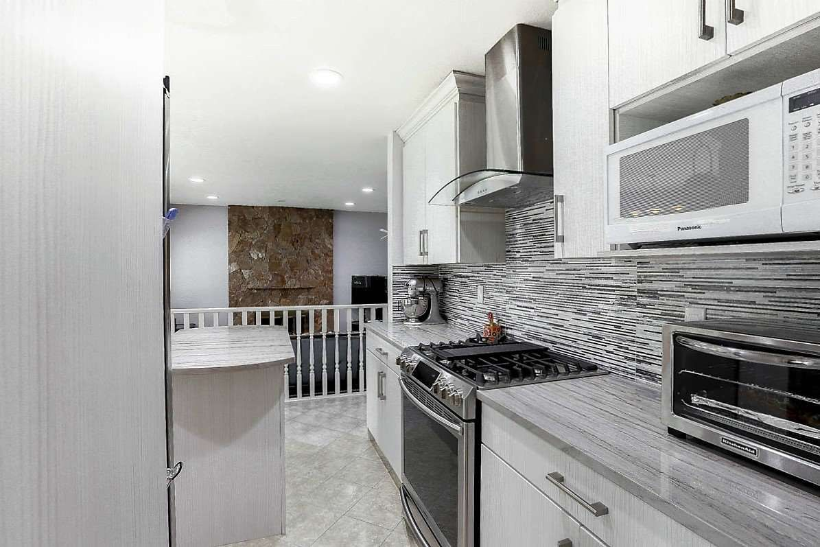 """Photo 7: Photos: 15676 84A Avenue in Surrey: Fleetwood Tynehead House for sale in """"FLEETWOOD"""" : MLS®# R2090516"""