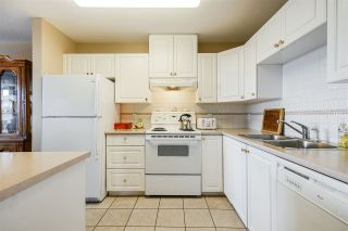 """Photo 4: 605 612 SIXTH Street in New Westminster: Uptown NW Condo for sale in """"THE WOODWARD"""" : MLS®# R2537268"""