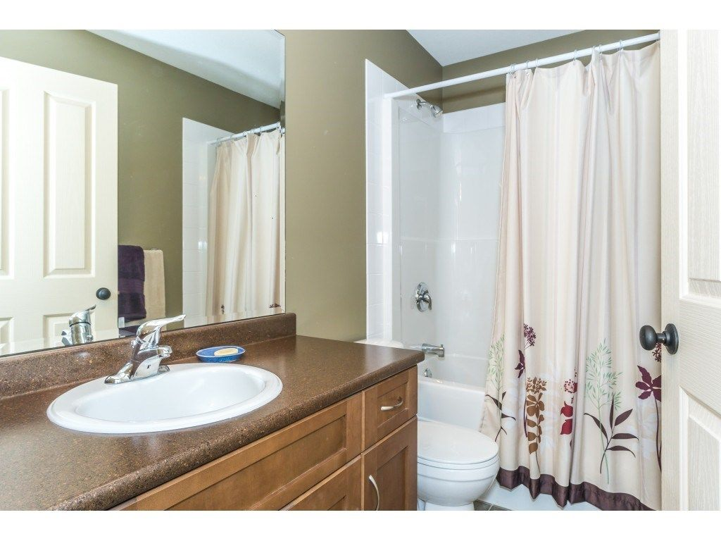 """Photo 16: Photos: 32 46840 RUSSELL Road in Sardis: Promontory Townhouse for sale in """"Timeber Ridge"""" : MLS®# R2359001"""
