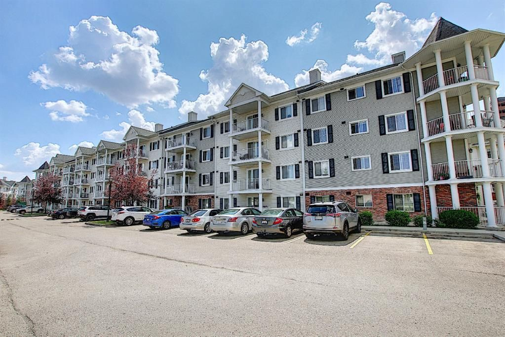 Main Photo: 4101 31 Country Village Manor NE in Calgary: Country Hills Village Apartment for sale : MLS®# A1128639