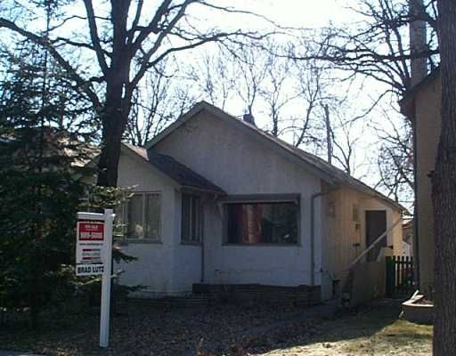 Main Photo: 125 LANARK Street in WINNIPEG: River Heights / Tuxedo / Linden Woods Single Family Detached for sale (South Winnipeg)  : MLS®# 2404314