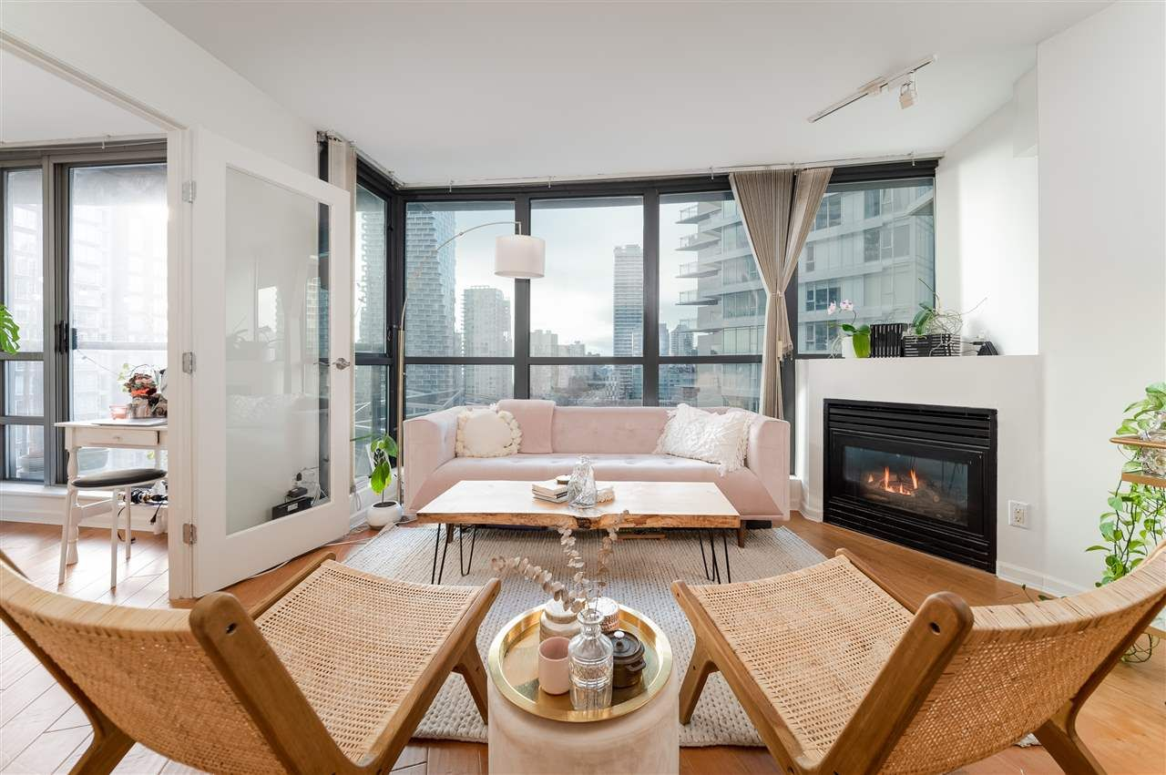 Main Photo: 1606 501 PACIFIC Street in Vancouver: Downtown VW Condo for sale (Vancouver West)  : MLS®# R2549186