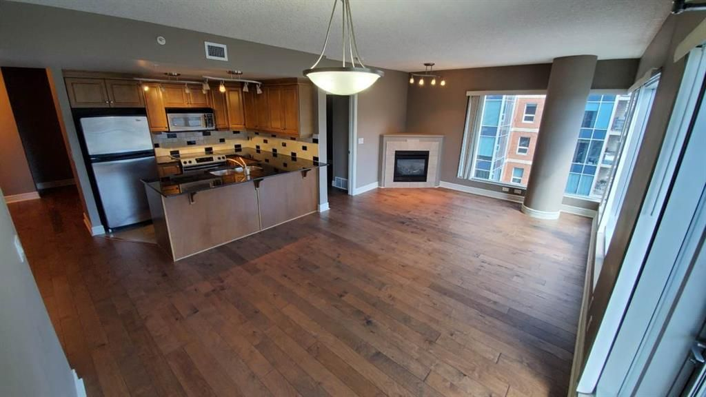 Main Photo: 1507 920 5 Avenue SW in Calgary: Downtown Commercial Core Apartment for sale : MLS®# A1019441