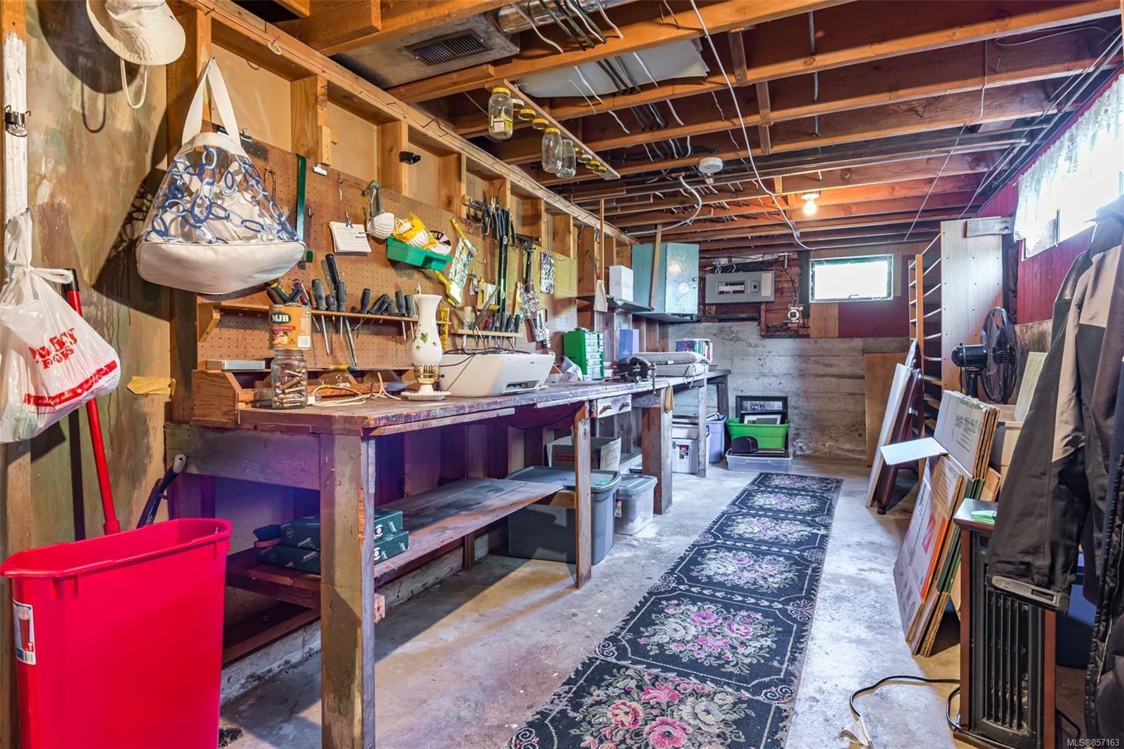 Photo 49: Photos: 4241 Buddington Rd in : CV Courtenay South House for sale (Comox Valley)  : MLS®# 857163