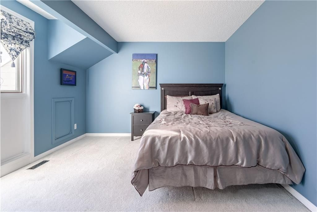 Photo 34: Photos: 248 WOOD VALLEY Bay SW in Calgary: Woodbine Detached for sale : MLS®# C4211183