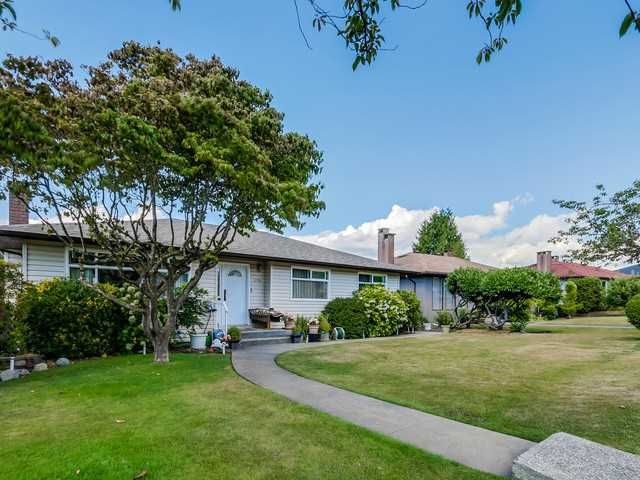 Main Photo: 4765 FAIRLAWN DR in Burnaby: Brentwood Park House for sale (Burnaby North)  : MLS®# V1136537