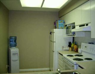 """Photo 4: 113 2357 WHYTE AV in Port Coquitlam: Central Pt Coquitlam Condo for sale in """"RIVERSIDE PLACE"""" : MLS®# V590646"""