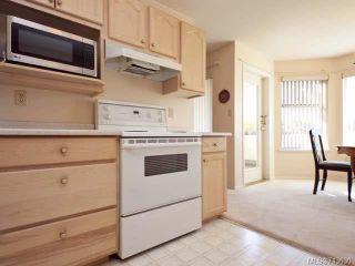 Photo 14: 103 1902 COMOX Avenue in COMOX: CV Comox (Town of) Condo for sale (Comox Valley)  : MLS®# 713630