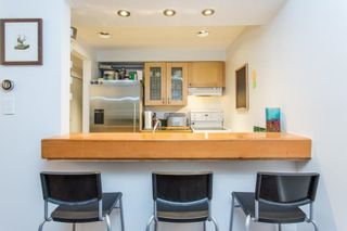 """Photo 8: 3548 POINT GREY Road in Vancouver: Kitsilano Townhouse for sale in """"MARINA PLACE"""" (Vancouver West)  : MLS®# R2576104"""