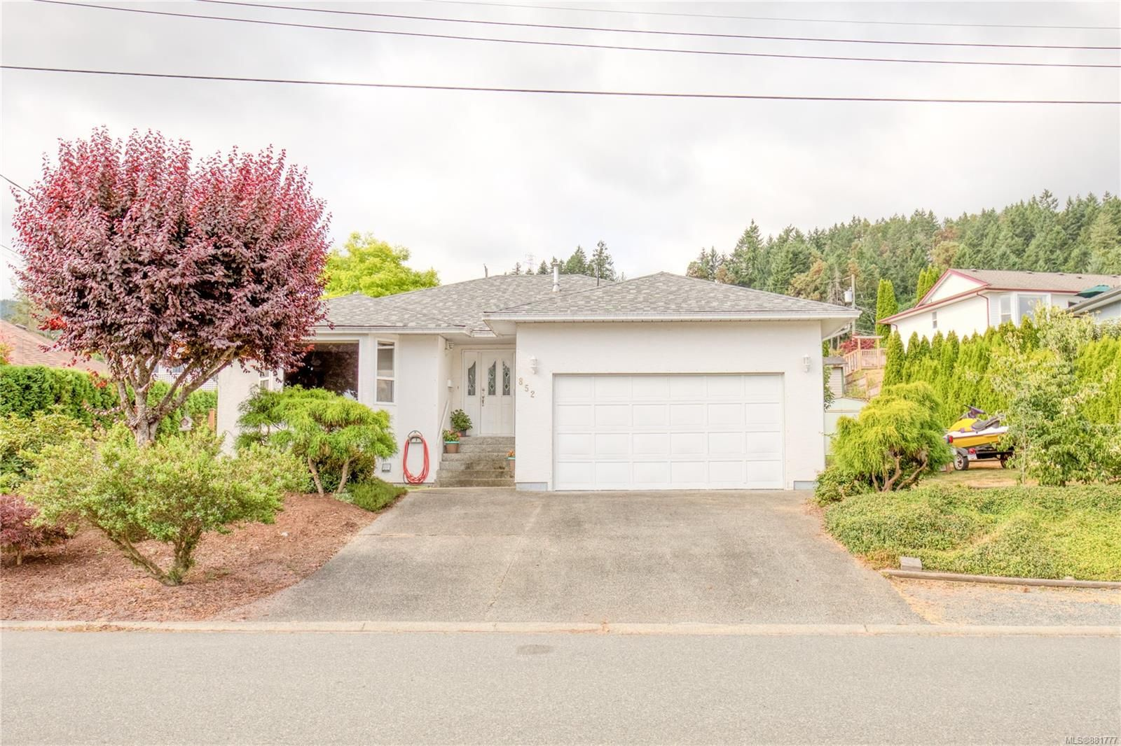 Main Photo: 852 Therres Cres in : Du Ladysmith House for sale (Duncan)  : MLS®# 881777