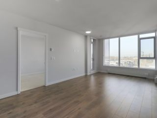 """Photo 4: 906 3281 E KENT NORTH Avenue in Vancouver: South Marine Condo for sale in """"RHYTHM BY POLYGON"""" (Vancouver East)  : MLS®# R2447202"""