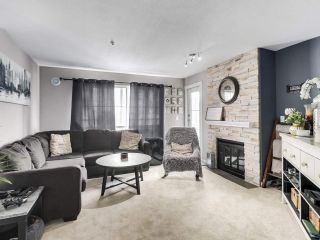 """Photo 2: 402 2388 WELCHER Avenue in Port Coquitlam: Central Pt Coquitlam Condo for sale in """"Parkgreen"""" : MLS®# R2506056"""
