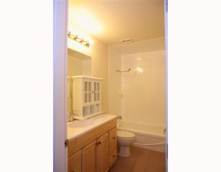 Photo 4: 1908 GOLETA Drive in Burnaby: Montecito Townhouse for sale (Burnaby North)  : MLS®# V766997