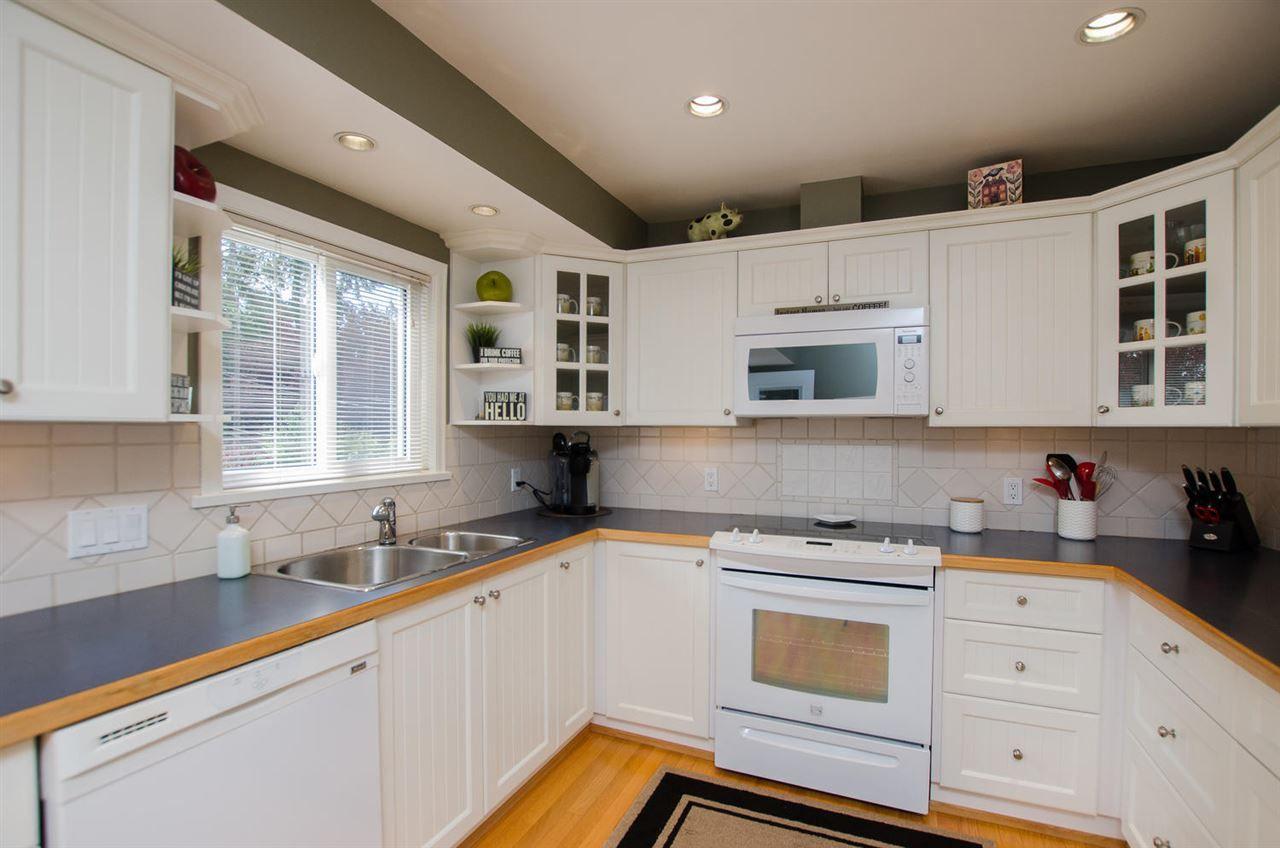 Photo 10: Photos: 5466 7B Avenue in Delta: Tsawwassen Central House for sale (Tsawwassen)  : MLS®# R2483653