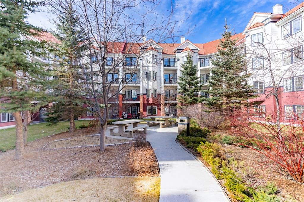 Main Photo: 434 30 ROYAL OAK Plaza NW in Calgary: Royal Oak Apartment for sale : MLS®# A1088310