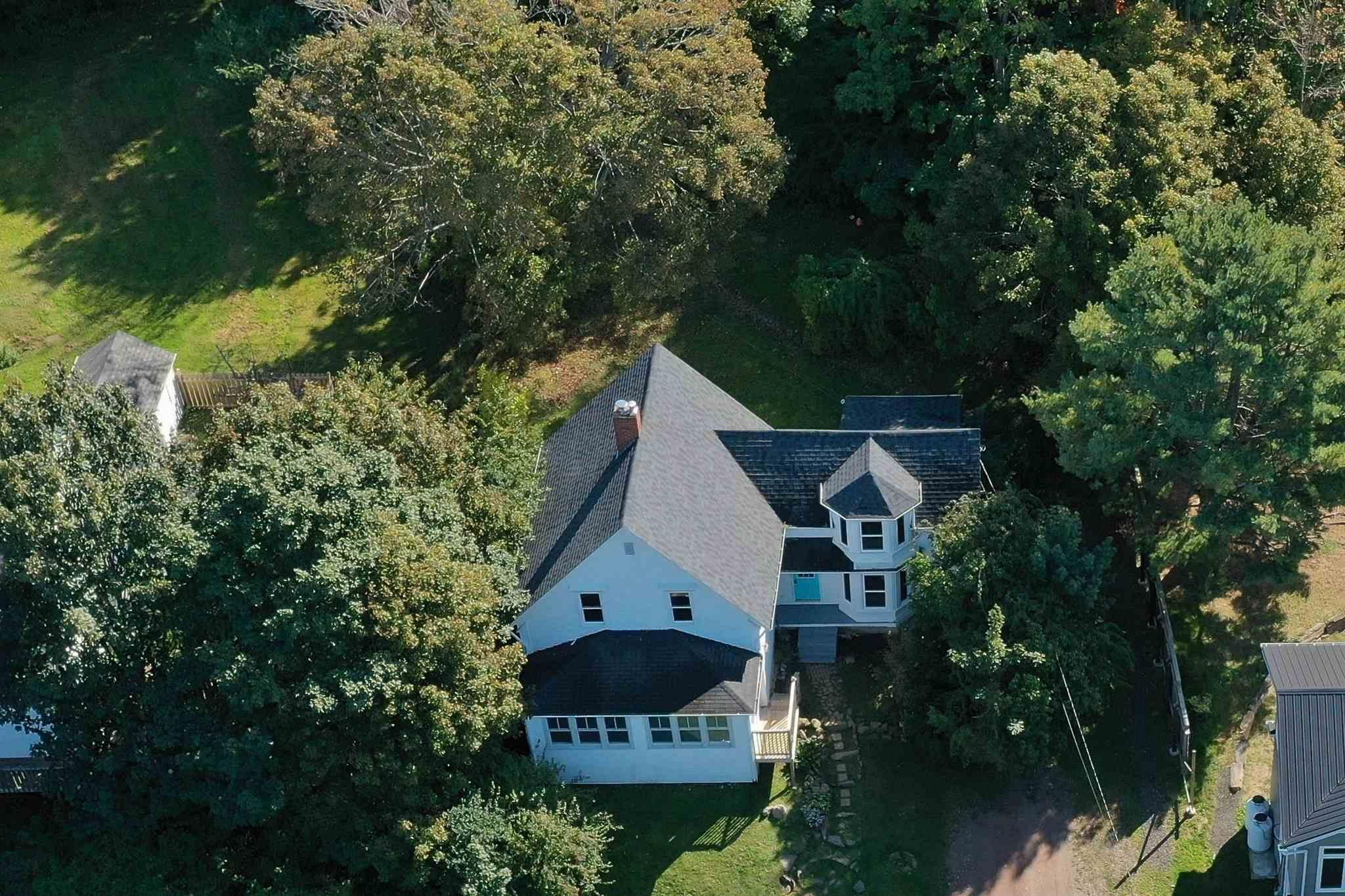 Main Photo: 14 EAST OLD POST Road in Smiths Cove: 401-Digby County Residential for sale (Annapolis Valley)  : MLS®# 202125582