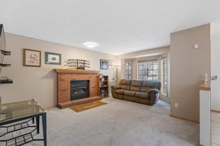 Photo 4: 19 Laguna Circle NE in Calgary: Monterey Park Detached for sale : MLS®# A1051148