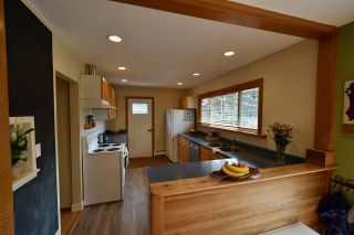 Photo 12: 14545 16 Avenue in Surrey: Sunnyside Park Surrey House for sale (South Surrey White Rock)  : MLS®# R2405150