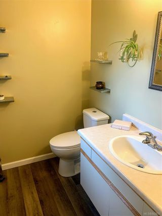 Photo 12: 2147 Weiler Ave in Sidney: Si Sidney South-West Half Duplex for sale : MLS®# 842931