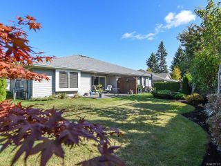 Photo 2: 110 2077 St Andrews Way in COURTENAY: CV Courtenay East Row/Townhouse for sale (Comox Valley)  : MLS®# 825107