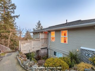 Photo 2: 591 Cumberland Pl in : Na Departure Bay Half Duplex for sale (Nanaimo)  : MLS®# 865693
