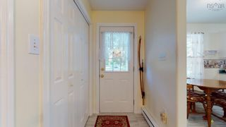 Photo 4: 2521 Highway 1 in Aylesford: 404-Kings County Residential for sale (Annapolis Valley)  : MLS®# 202125612