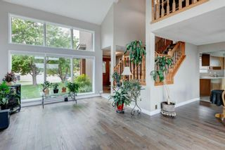 Photo 4: 71 Edgeland Road NW in Calgary: Edgemont Detached for sale : MLS®# A1127577