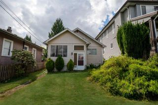 Photo 1: 312 NOOTKA Street in New Westminster: The Heights NW House for sale : MLS®# R2574661