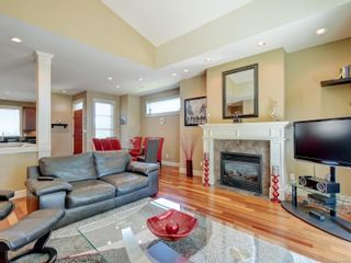 Photo 3: 21 551 Bezanton Way in : Co Latoria Row/Townhouse for sale (Colwood)  : MLS®# 886372