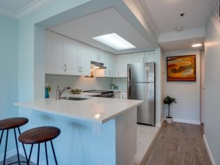 """Photo 14: 24 1345 W 4TH Avenue in Vancouver: False Creek Townhouse for sale in """"Granville Island Village"""" (Vancouver West)  : MLS®# R2564890"""