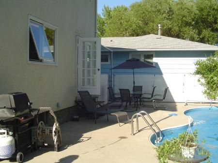 Photo 2: Photos: 11 Osgoode in Winnipeg: MB RED for sale : MLS®# 2613664