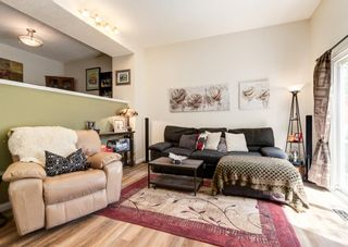 Photo 6: 19 Coachway Green SW in Calgary: Coach Hill Row/Townhouse for sale : MLS®# A1118919