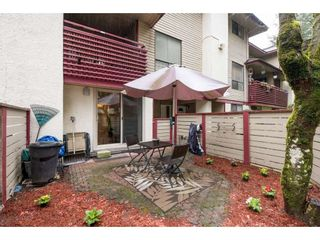 """Photo 19: 10531 HOLLY PARK Lane in Surrey: Guildford Townhouse for sale in """"HOLLY PARK LANE"""" (North Surrey)  : MLS®# R2147163"""