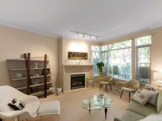 """Photo 2: 203 618 W 45TH Avenue in Vancouver: Oakridge VW Townhouse for sale in """"THE CONSERVATORY"""" (Vancouver West)  : MLS®# R2537685"""