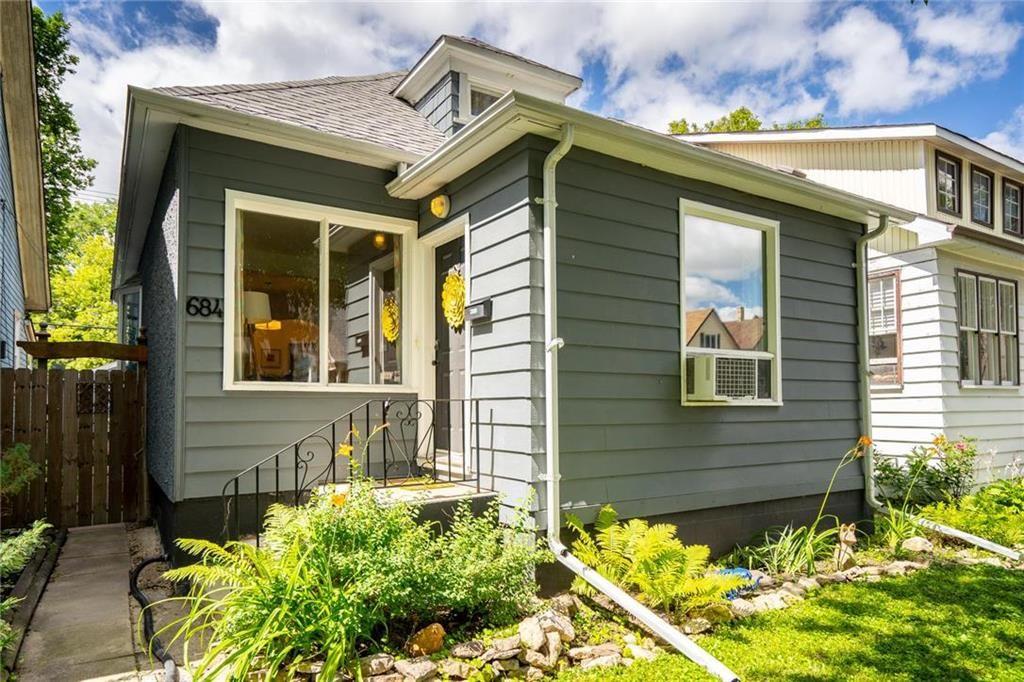 Main Photo: 684 Ashburn Street in Winnipeg: West End Residential for sale (5C)  : MLS®# 202017849
