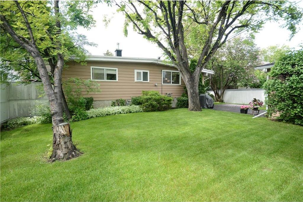 Photo 28: Photos: 3148 BREEN Crescent NW in Calgary: Brentwood House for sale : MLS®# C4121729