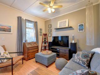Photo 3: 3245 Harriet Rd in : SW Rudd Park House for sale (Saanich West)  : MLS®# 882510