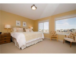 Photo 17: 76 STRATHLEA Place SW in Calgary: Strathcona Park House for sale : MLS®# C4092293