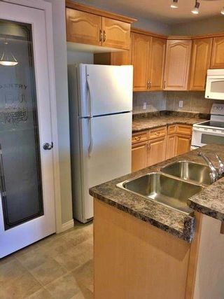 Photo 5: A 4919 50 Street: Gibbons Townhouse for sale : MLS®# E4242495