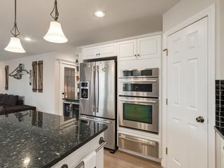 Photo 10: 123 SIGNATURE Terrace SW in Calgary: Signal Hill Detached for sale : MLS®# C4303183