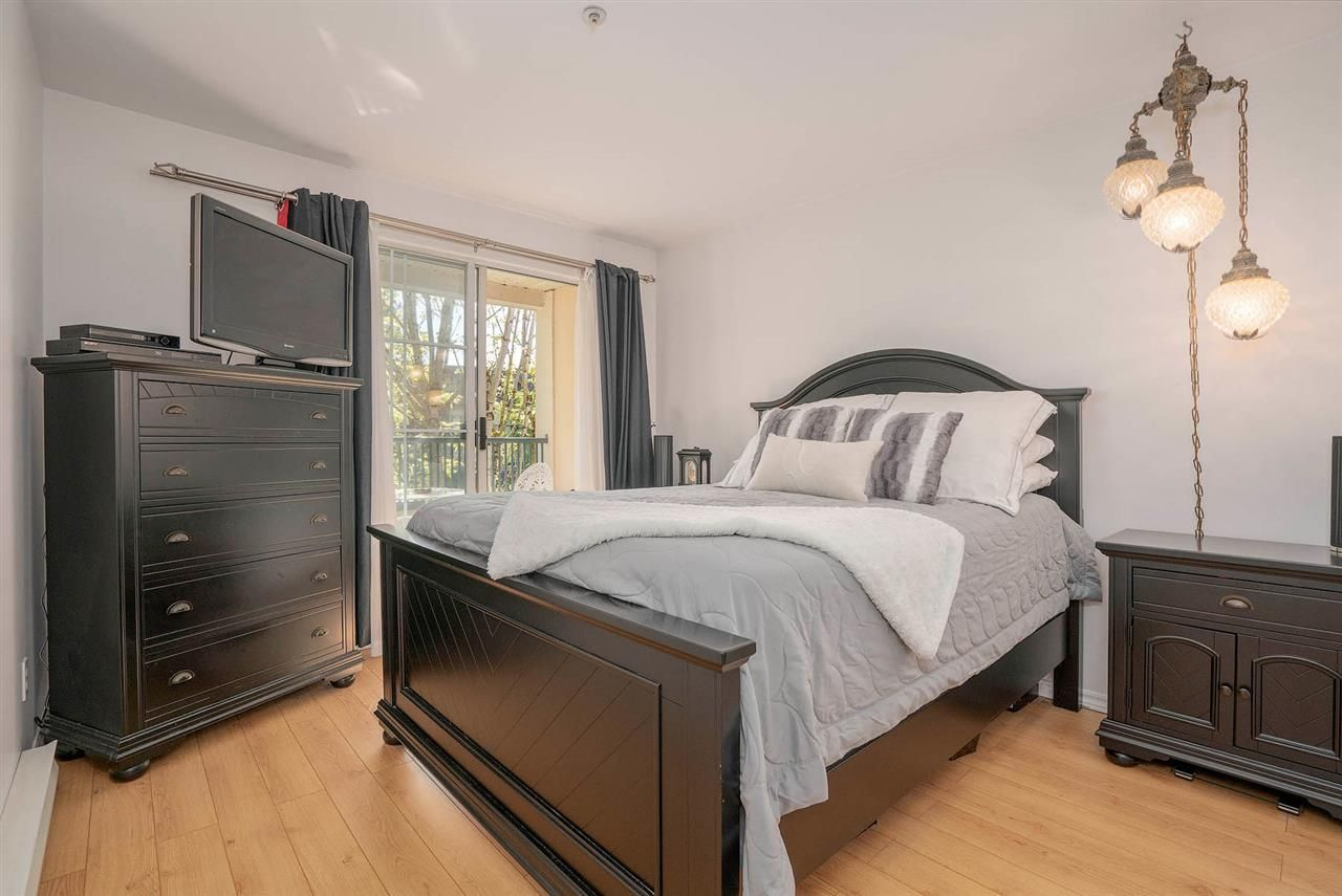 "Photo 11: Photos: 313 295 SCHOOLHOUSE Street in Coquitlam: Maillardville Condo for sale in ""CHATEAU ROYALE"" : MLS®# R2262209"