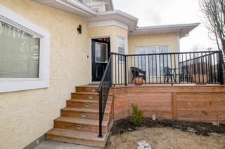 Photo 3: 141 Wood Valley Place SW in Calgary: Woodbine Detached for sale : MLS®# A1089498