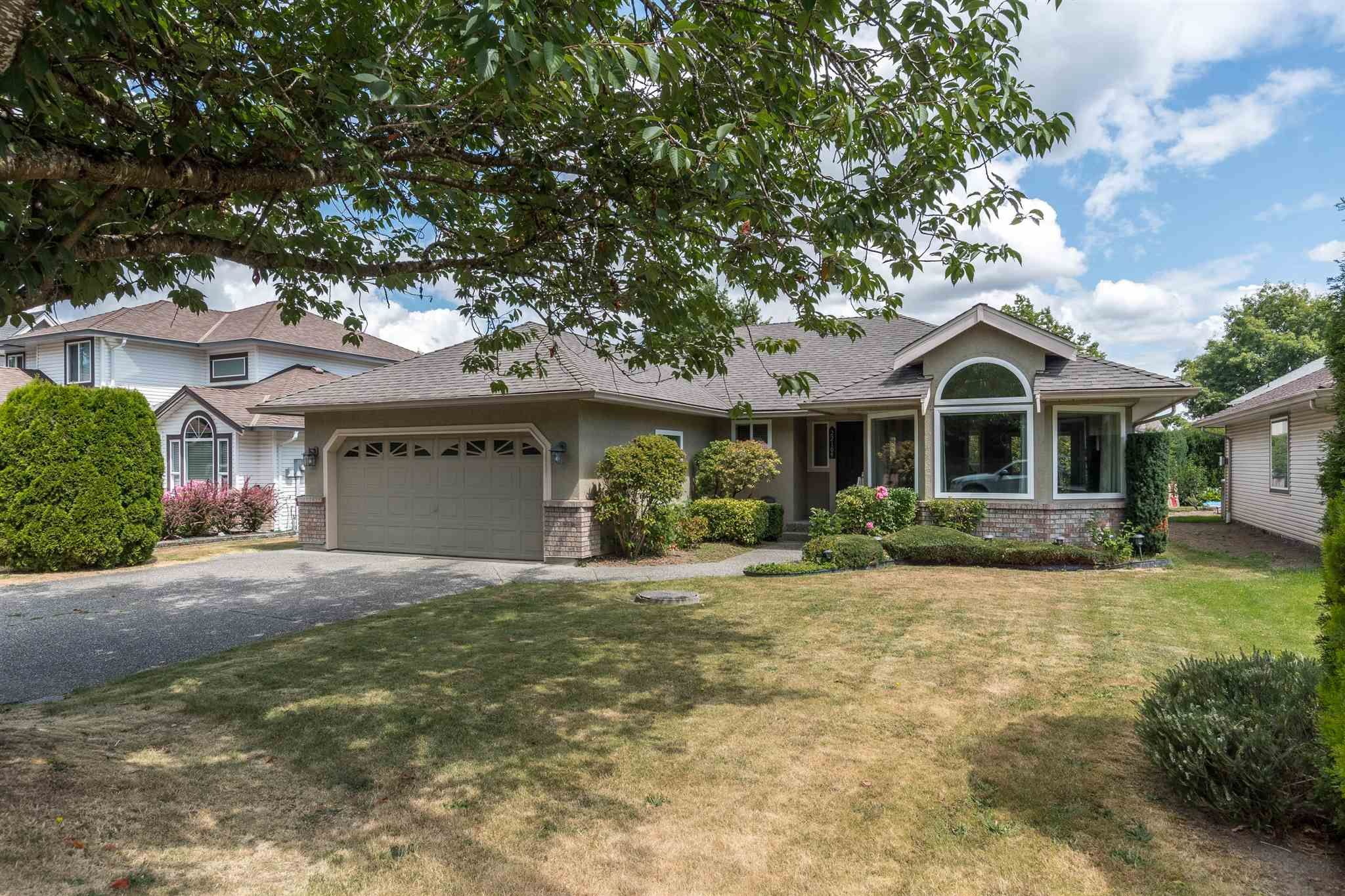 Main Photo: 22109 OLD YALE Road in Langley: Murrayville House for sale : MLS®# R2617837