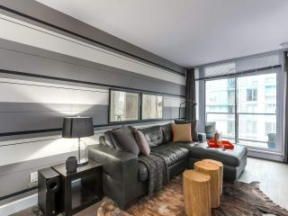 """Photo 3: 1001 288 W 1ST Avenue in Vancouver: False Creek Condo for sale in """"The James Building"""" (Vancouver West)  : MLS®# R2331453"""