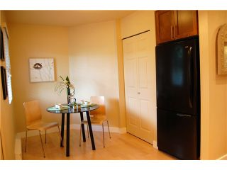 """Photo 5: 1 3189 ASH Street in Vancouver: Fairview VW Condo for sale in """"FAIRVIEW"""" (Vancouver West)  : MLS®# V828474"""